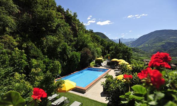 051838_0544_43 القائمة الماسية لأفضل منتجعات و فنادق الشمال الايطالي